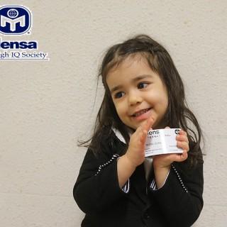 دختر سه ساله ایرانی در جمع کوچکترین اعضای انجمن جهانی تیزهوشانMENSA
