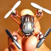 کوچکترين هليکوپتر جهان مجهز به سيستم بیسيم هوشمند
