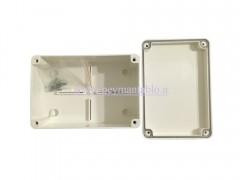 جعبه تقسیم (درب پیچ خور) 7*15*10 با IP65 دانوب باکس