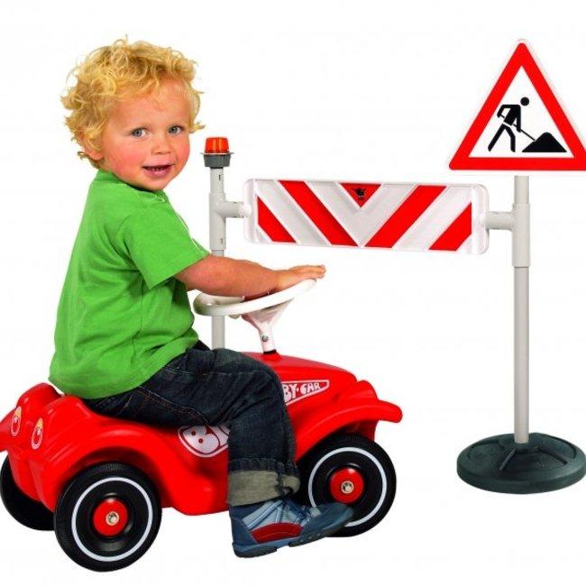 علائم راهنمايي و رانندگي PIC-8005