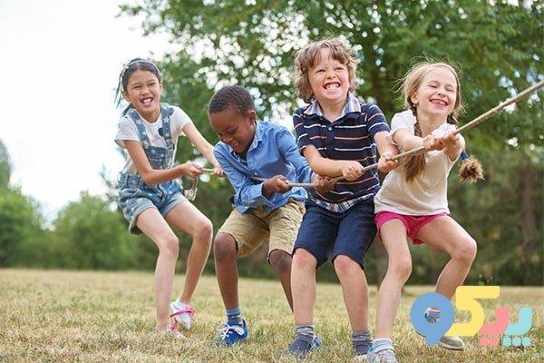 10 نقش بازی در رشد کودکان + مزایا و معایب