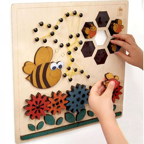 بومک زنبور و گل چوبی