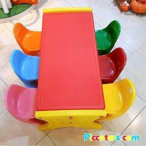 لوازم بازی کودک میز و صندلی کودک