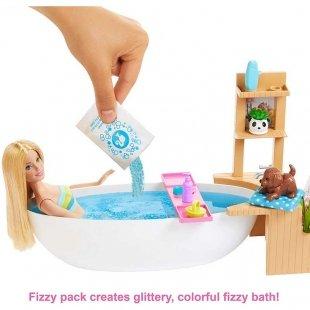 عروسک باربی با وسایل حمام