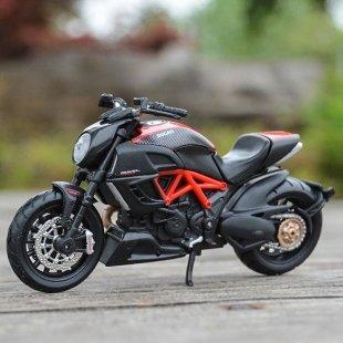 خرید موتور اسباب بازی دوکاتی مدل Diavel carbon