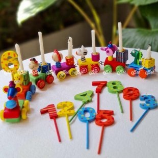 اسباب بازی چوبی تولد