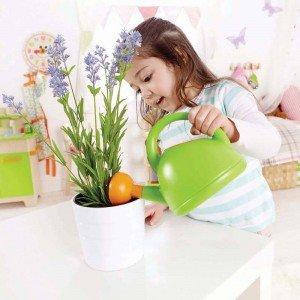 بازی و سرگرمی با آب پاش باغبانی