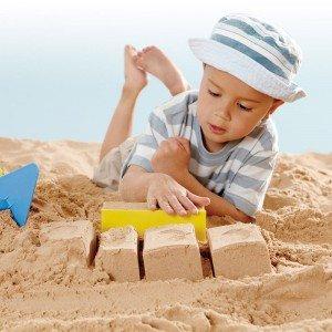 بازی و سرگرمی با قالب شن بازی بنایی master bricklayer set hape 4010