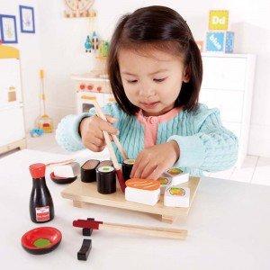 سوشی و ظرف غذای بازی چوبی Hape مدل 3130