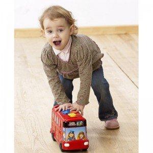 ازی و تفریح با اتوبوس اسباب بازی