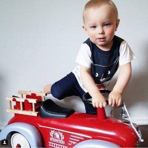 ماشین آتش نشانی کودک پایی