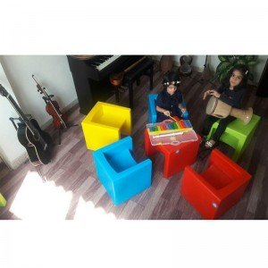 صندلی کودک آموزشگاه موسیقی