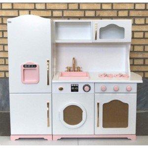 آشپزخانه چوبی مدل آلما مناسب برای نقش بازی