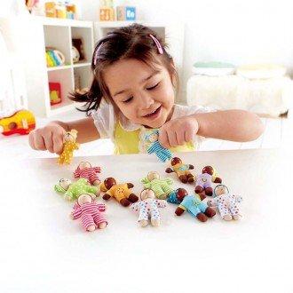 عروسک چوبی کوچک کودک شاد hape 3510