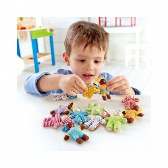 بازی و سرگرمی با عروسک چوبی کوچک کودک شاد hape 3510