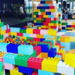 لگو و بلوک های ساخت و ساز