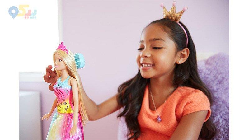 عروسک باربی رنگین کمان با شانه جادویی