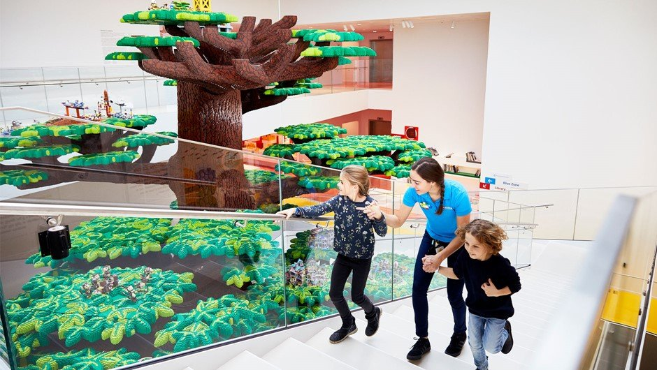 درخت لگویی لگو هاوس دانمارک