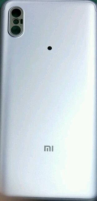 تصویری از پنل پشتی گوشی شیائومی Mi 6X منتشر شد