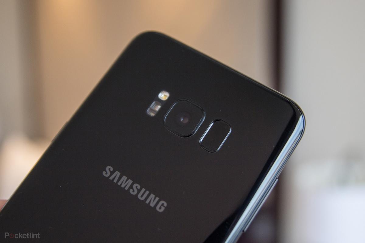 سامسونگ به دنبال عرضهی گوشی بدون حاشیه با نمایشگر کوچک است