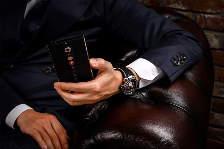 لامبورگینی گوشی اندروید ۲۴۵۰ دلاری معرفی کرد