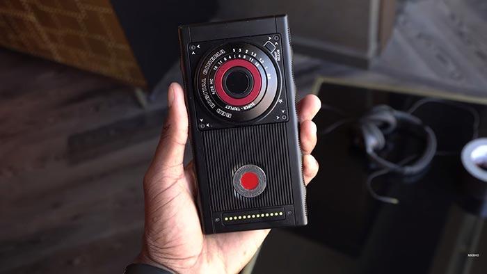 گوشی ۱۲۰۰ دلاری هیدروژن وان با دوربین حرفهای عرضه میشود