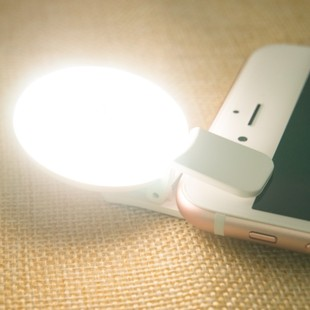 COOWOO-Portable-Mini-LED-Selfie-LED-Fill-Light-in-Dark-for-Iphone-6-Samsung-Note-Android-Smartphone-Cell-Phone-0-0-1