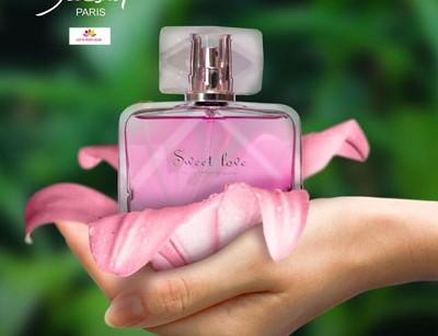 عطر و ادکلن زنانه سوییت لاو برند ژکساف  (  JACSAF   -  SWEET LOVE  )