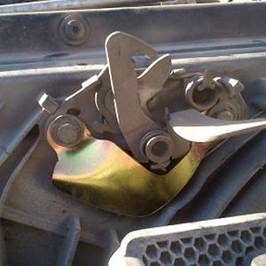 محافظ قفل کاپوت 206