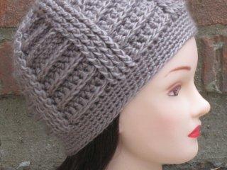 کلاه قلاب بافی مدلJA9901502