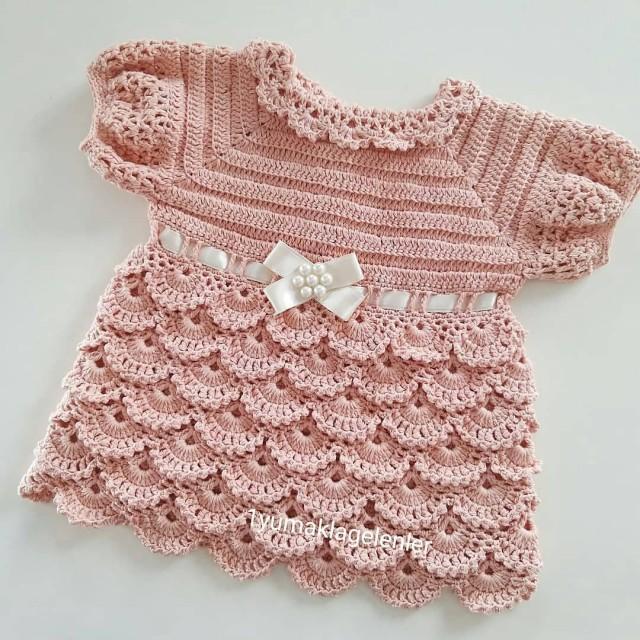 پیراهن نوزادی بافتنی  مدلZZ-P-NN