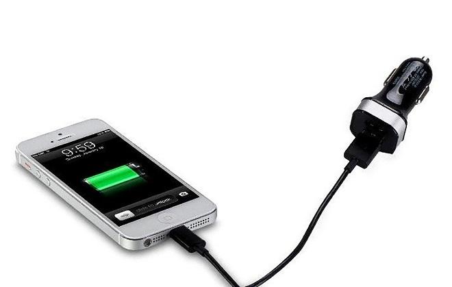 آیا استفاده از شارژر فندکی به باتری آسیب می رساند؟