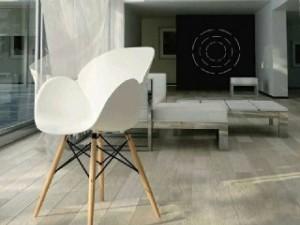 صندلی دسته دار صدف با پایه چوبی