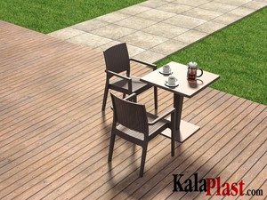 میز 4 نفره مربع تک پایه آلومینیومی حصیری ریوا 4.jpg