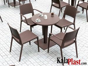 میز 4 نفره گرد تک پایه آلومینیومی حصیری ریوا 5.jpg