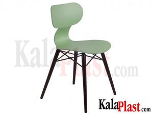 plastic-chair-yugo.jpg
