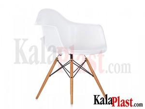 charles-eames-daw-plastic-chair-in-fiberglass.jpg