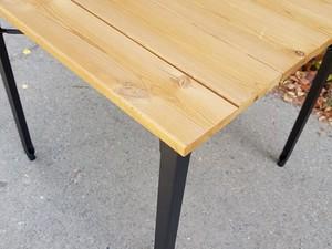 میز فلزی با رویه چوبی