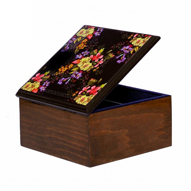 باکس کوچک اطلسی