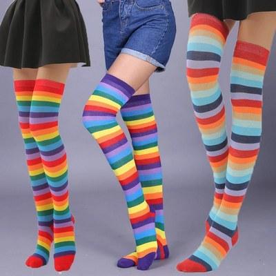 معرفی انواع جوراب ساق بلند