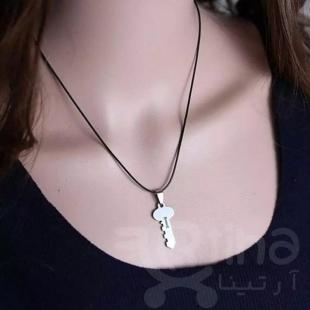 گردنبند قفل نماد چیست