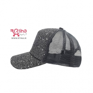 کلاه نقاب دار پشت تور