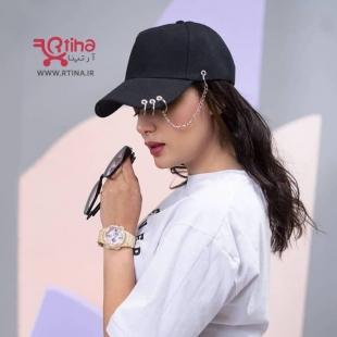 عکس دختر با کلاه نقاب دار