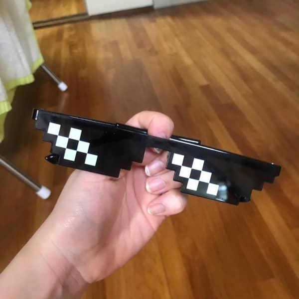 عینک 8بیتی