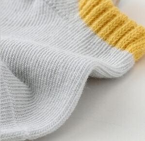 جوراب برای نوزاد شش ماهه
