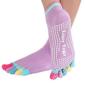 راهنمای خرید پاپوش ورزشی یوگا و پیلاتس Yoga socks