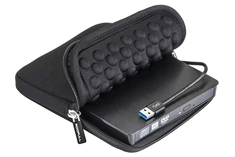 استفاده از کیف محافظ برای جلوگیری از تاثیر ضربه یا عامل مخربی همچون گرد و غبار