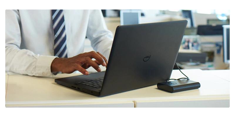 dell-latitude-e5270-on-the-desk
