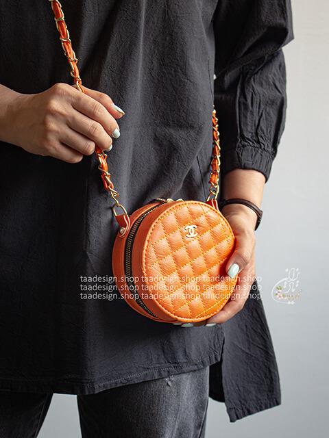 کیف دوشی گرد طرح شنل _ نارنجی