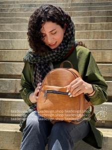 کوله پشتی چرمی مدل ترنم - قهوه ای عسلی